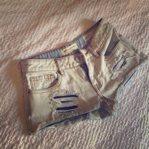 Bullhead distressed denim shorts low rise